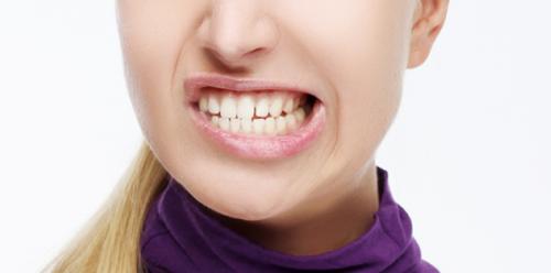 歯軋りは歯に悪い